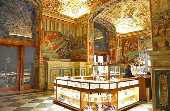 バチカン図書館の正体は豪華な廊下: お気楽サラミの秘境旅行